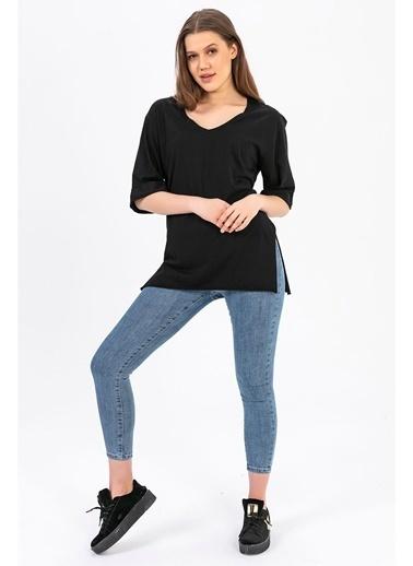 Tiffany&Tomato V Yaka Kolu Katlamalı  Yanları Yırtmaçlı T-Shirt - Siyah Siyah